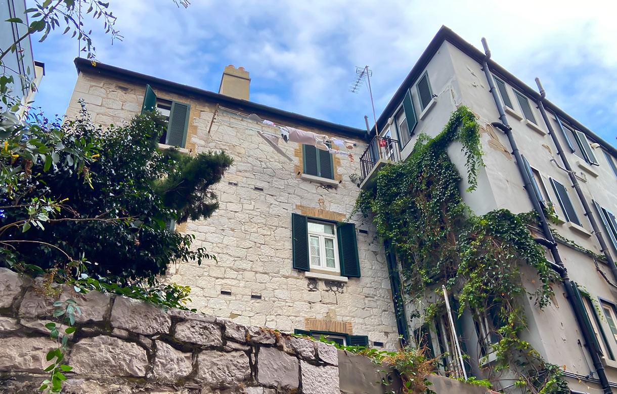 Survey before buying: Gibraltar Property Lawyers Image